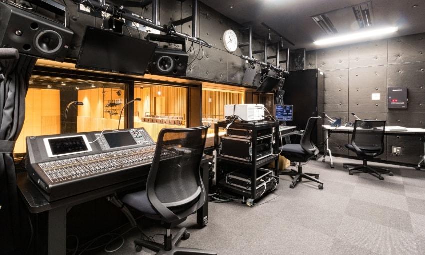 写真:小ホール調光室